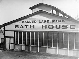 Chuck berry walled lake casino